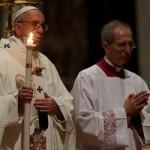 Papa: tentação da sobrevivência torna-nos profissionais do sagrado