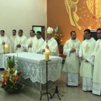 Diaconos e Bispo C+®sar Teixeira