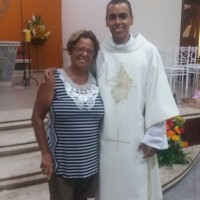 Juliano Martins e amiga