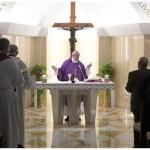 Francisco: os ídolos nos escravizam, só Deus nos ama