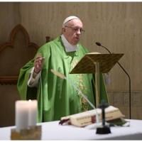 Papa: um padre deve ter paixão, discernimento e denúncia