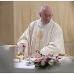 Arcanjos são companheiros de vida, diz o Papa