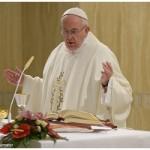 Papa: Deus com a sua ternura se aproxima de nós e nos salva