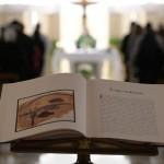 Papa: ter uma oração corajosa e perseverante que nasce da fé