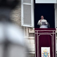 Papa no Angelus: a paz é um direito de todos