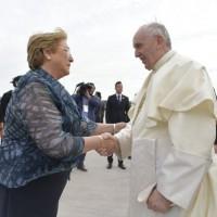 Programação intensa marca primeiro dia do Papa no Chile